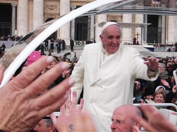 http://www.ragusanews.com//immagini_articoli/31-01-2014/pomodori-vittoriesi-per-papa-francesco-500.jpg