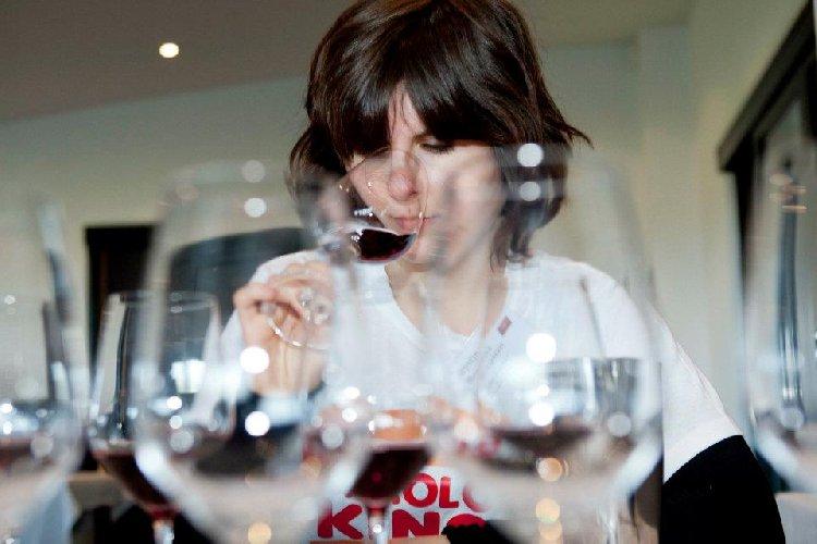 https://www.ragusanews.com//immagini_articoli/31-01-2018/corsi-formazione-donne-manager-vino-500.jpg