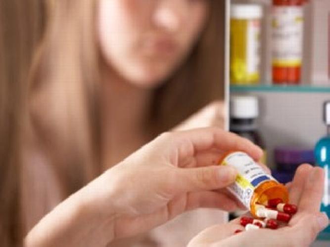 https://www.ragusanews.com//immagini_articoli/31-03-2014/tenta-il-suicidio-coi-farmaci-giovane-salvata-500.jpg
