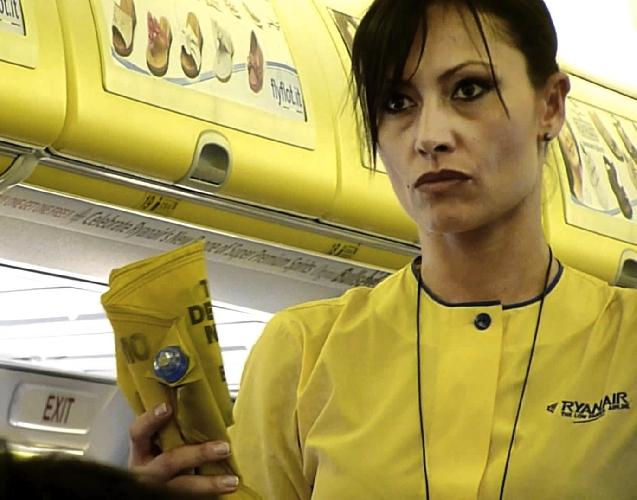 https://www.ragusanews.com//immagini_articoli/31-03-2015/ryanair-cerca-hostess-selezioni-a-catania-500.jpg