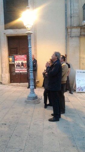 https://www.ragusanews.com//immagini_articoli/31-03-2018/gentiloni-messa-venerdi-santo-giorgio-ibla-500.jpg