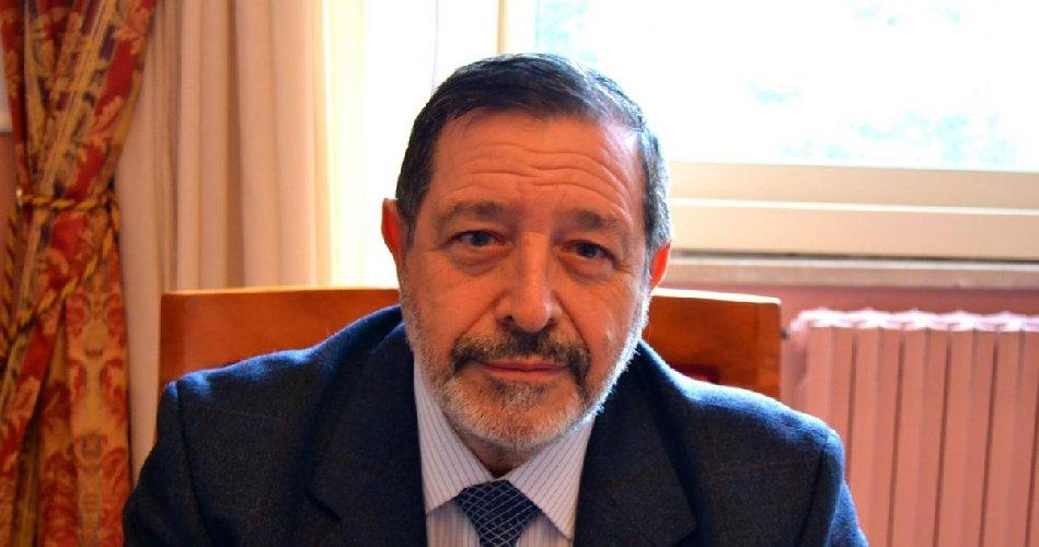 https://www.ragusanews.com//immagini_articoli/31-03-2019/fulvio-manno-chiede-120-mila-euro-all-asp-condannato-a-spese-processo-500.jpg