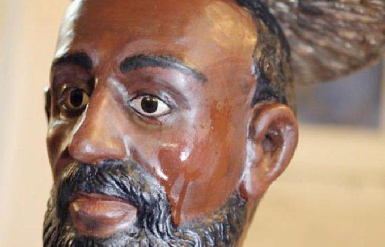 https://www.ragusanews.com//immagini_articoli/31-03-2019/svelato-il-mistero-unico-santo-che-suda-storia-500.jpg