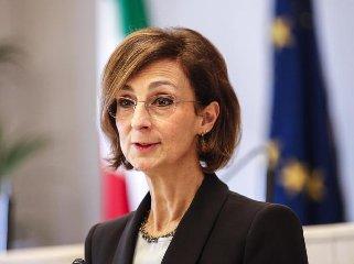 https://www.ragusanews.com//immagini_articoli/31-03-2020/positiva-la-presidente-corte-costituzionale-cartabia-240.jpg