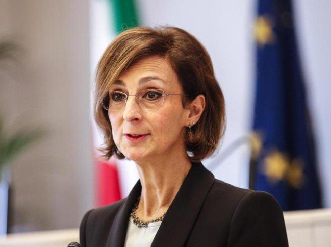 https://www.ragusanews.com//immagini_articoli/31-03-2020/positiva-la-presidente-corte-costituzionale-cartabia-500.jpg