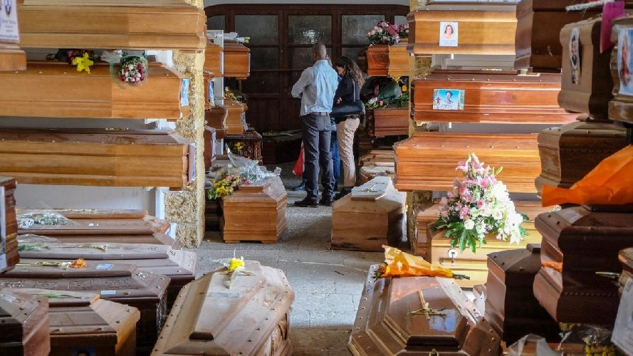 https://www.ragusanews.com//immagini_articoli/31-03-2021/i-non-morti-centinaia-di-vittime-oscurate-per-far-risorgere-i-consensi-500.jpg