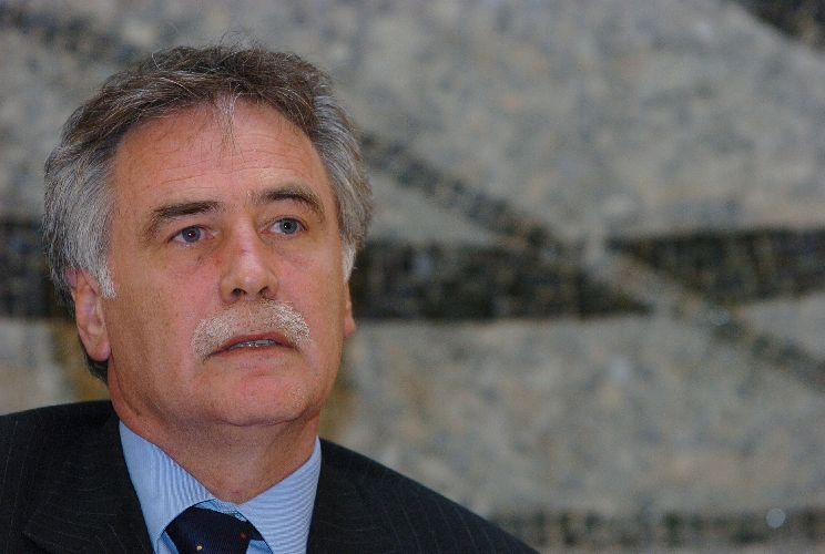 https://www.ragusanews.com//immagini_articoli/31-05-2007/ausiliari-socio-sanitari-l-on-drago-vertenza-sbloccata-500.jpg