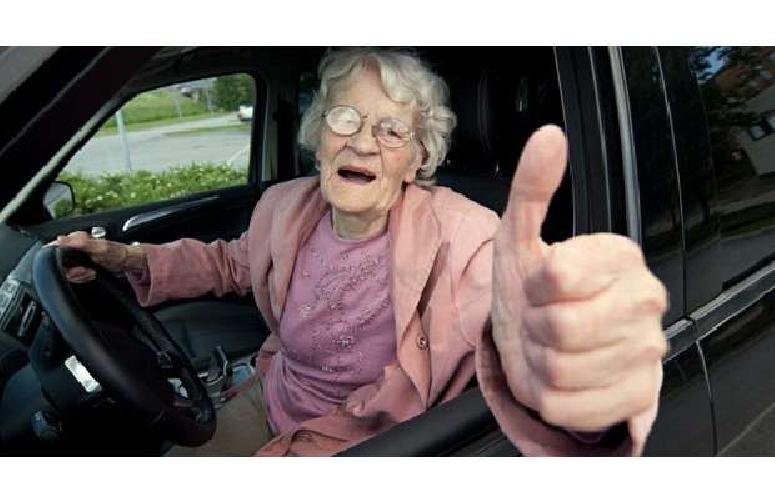 http://www.ragusanews.com//immagini_articoli/31-05-2014/vecchia-78enne-da-60-anni-alla-guida-senza-patente-500.jpg