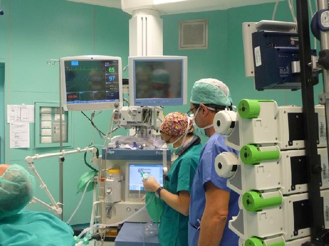 http://www.ragusanews.com//immagini_articoli/31-05-2017/assunzione-tempo-indeterminato-anestesisti-500.jpg