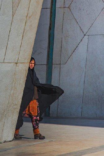 https://www.ragusanews.com//immagini_articoli/31-05-2019/donna-iraniana-racconta-donna-iraniana-domani-a-modica-500.jpg