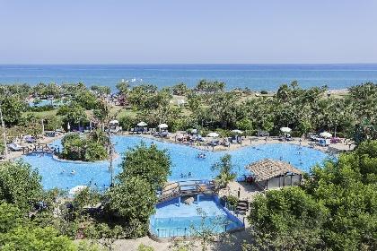 https://www.ragusanews.com//immagini_articoli/31-05-2021/sicilia-la-guerra-degli-hotel-extra-lusso-foto-280.jpg