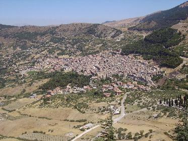 https://www.ragusanews.com//immagini_articoli/31-05-2021/zone-rosse-sicilia-una-ne-entra-e-un-altra-ne-esce-restano-9-280.jpg