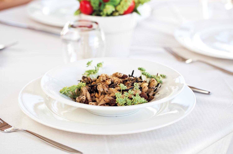 https://www.ragusanews.com//immagini_articoli/31-07-2015/1438333707-1-podere-baia-porto-ulisse-ecoturismo-e-relax-ristorante-vegetariano.jpg