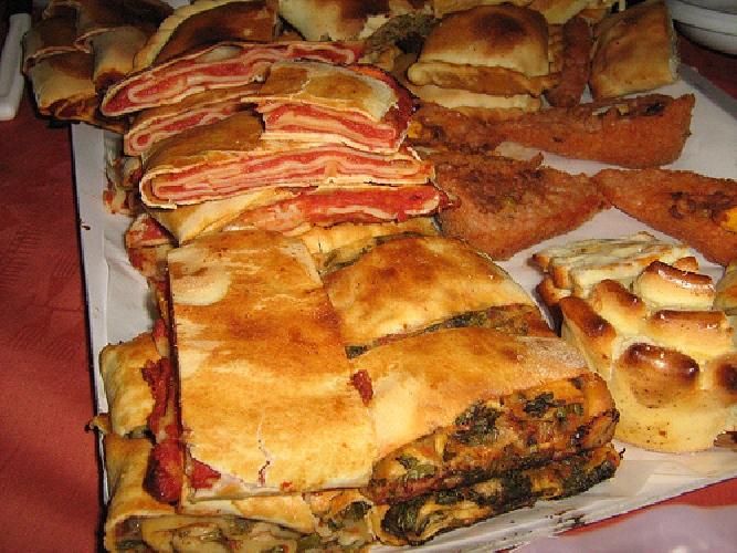 https://www.ragusanews.com//immagini_articoli/31-07-2015/apre-il-1-agosto-kilometrozero-sicily-street-food-500.jpg