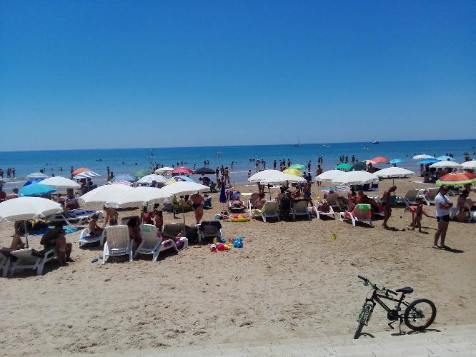 http://www.ragusanews.com//immagini_articoli/31-07-2017/dolce-luna-marina-ragusa-accuse-abusivismo-replica-500.jpg