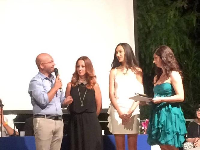 http://www.ragusanews.com//immagini_articoli/31-07-2017/lucia-barbagallo-vincitrice-assoluta-concorso-poesia-chiaramonte-500.jpg