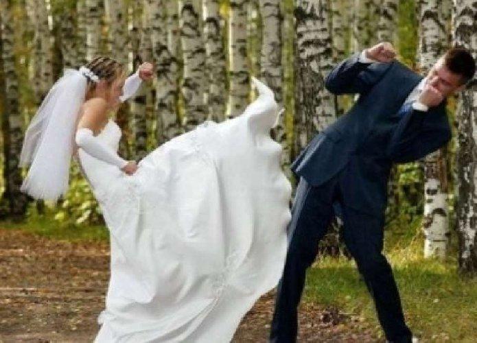 https://www.ragusanews.com//immagini_articoli/31-07-2018/sposano-fanno-botte-durante-banchetto-nuziale-500.jpg