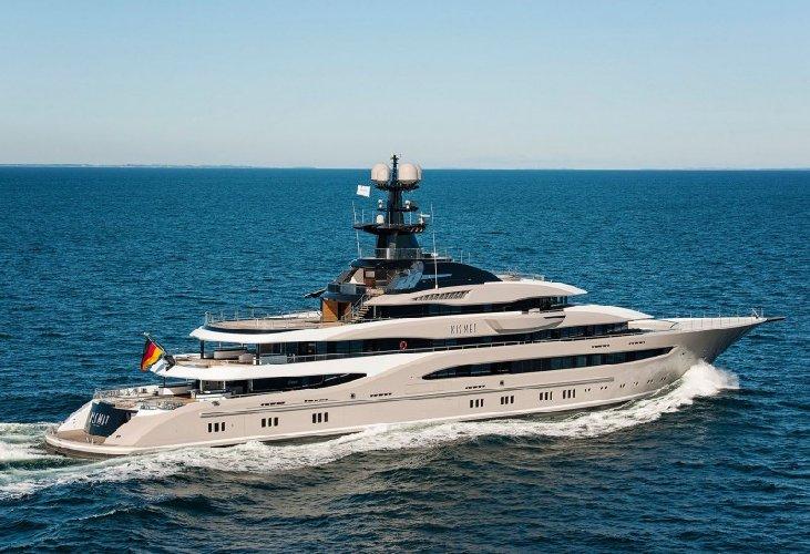 https://www.ragusanews.com//immagini_articoli/31-07-2018/yacht-kismet-beyonce-marina-ragusa-500.jpg