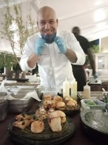 https://www.ragusanews.com//immagini_articoli/31-07-2020/gli-aperitivi-di-giorgio-cicero-su-il-dito-nel-piatto-500.jpg