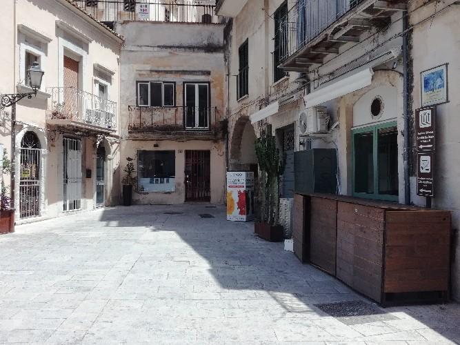 https://www.ragusanews.com//immagini_articoli/31-07-2020/le-letture-alla-libreria-la-talpa-500.jpg