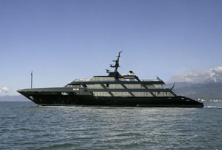https://www.ragusanews.com//immagini_articoli/31-08-2014/yacht-atteso-l-arrivo-del-main-di-giorgio-armani-500.jpg