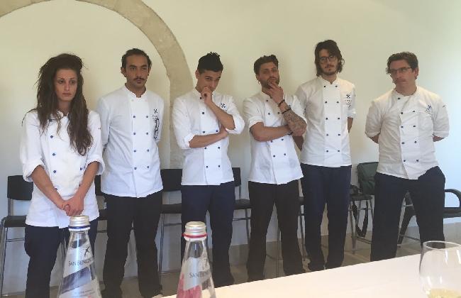 http://www.ragusanews.com//immagini_articoli/31-08-2016/chef-nel-nome-di-simone-420.jpg