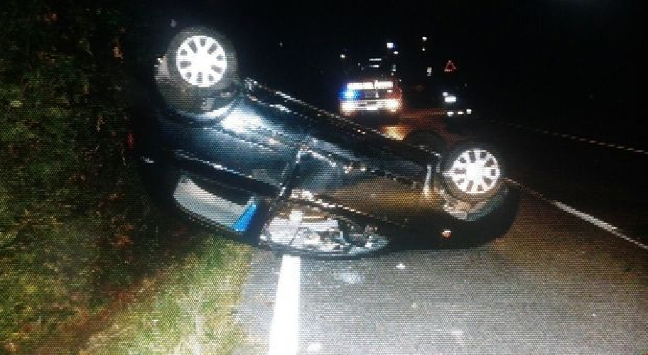 http://www.ragusanews.com//immagini_articoli/31-08-2017/modica-incidente-cappotta-unauto-500.jpg