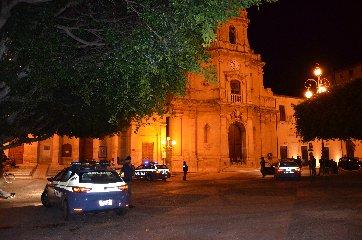 https://www.ragusanews.com//immagini_articoli/31-08-2019/arrestato-rumeno-accusato-di-tentato-omicidio-240.jpg
