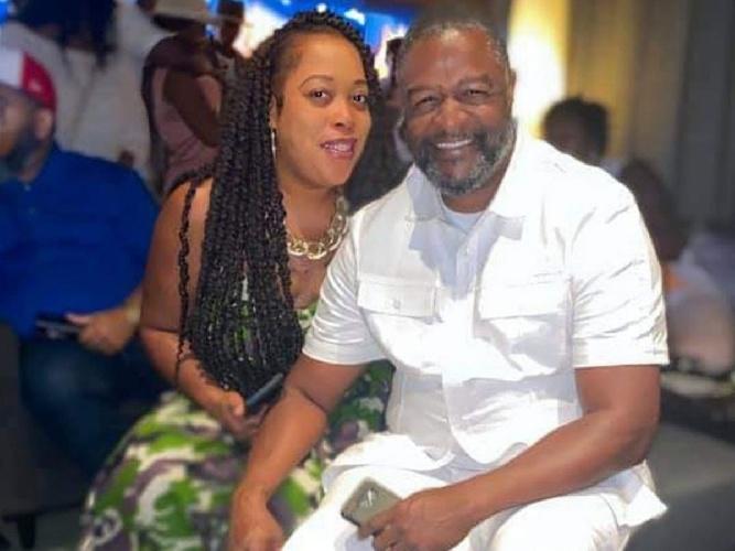 https://www.ragusanews.com//immagini_articoli/31-08-2021/1630424414-nozze-in-giamaica-richiesta-conferma-agli-ospiti-assenti-il-conto-a-casa-1-500.jpg