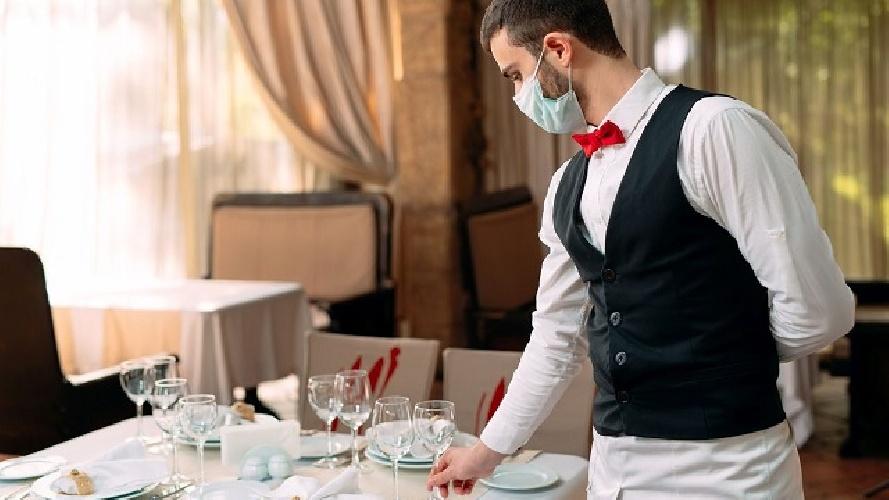 https://www.ragusanews.com//immagini_articoli/31-08-2021/aumentano-i-vaccinati-a-vittoria-e-comiso-musumeci-riapre-ristoranti-e-bar-500.jpg