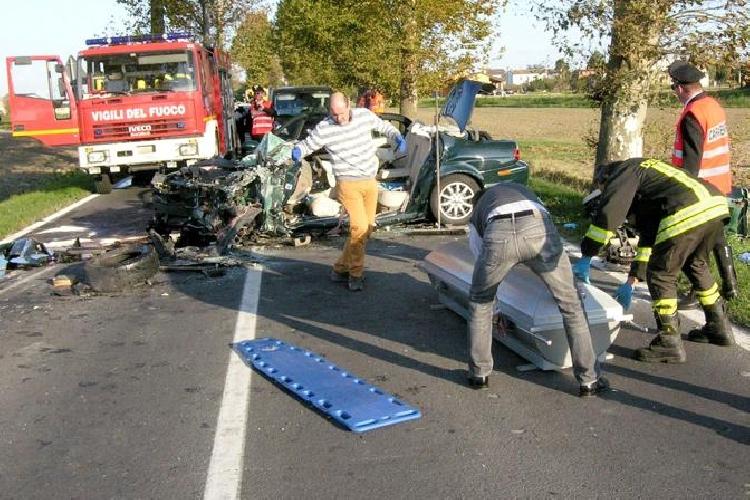 https://www.ragusanews.com//immagini_articoli/31-10-2014/incidente-in-auto-muore-cardiochirurgo-licitra-500.jpg
