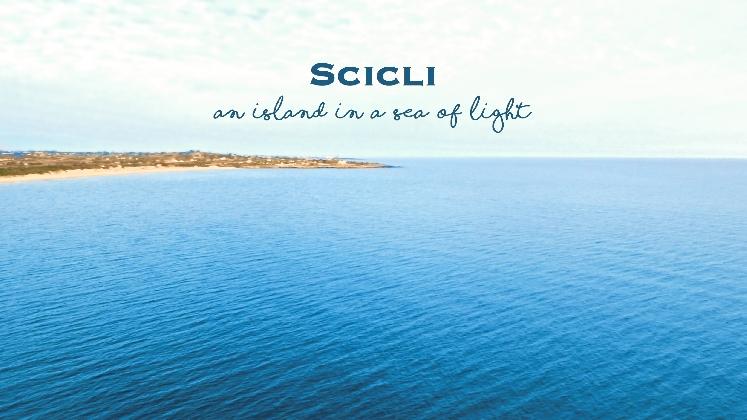 http://www.ragusanews.com//immagini_articoli/31-10-2016/il-corriere-pubblica-il-video-scicli-an-island-in-a-sea-of-light-420.jpg