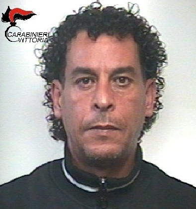 http://www.ragusanews.com//immagini_articoli/31-10-2016/spacciava-hashish-a-vittoria-arrestato-marocchino-420.jpg