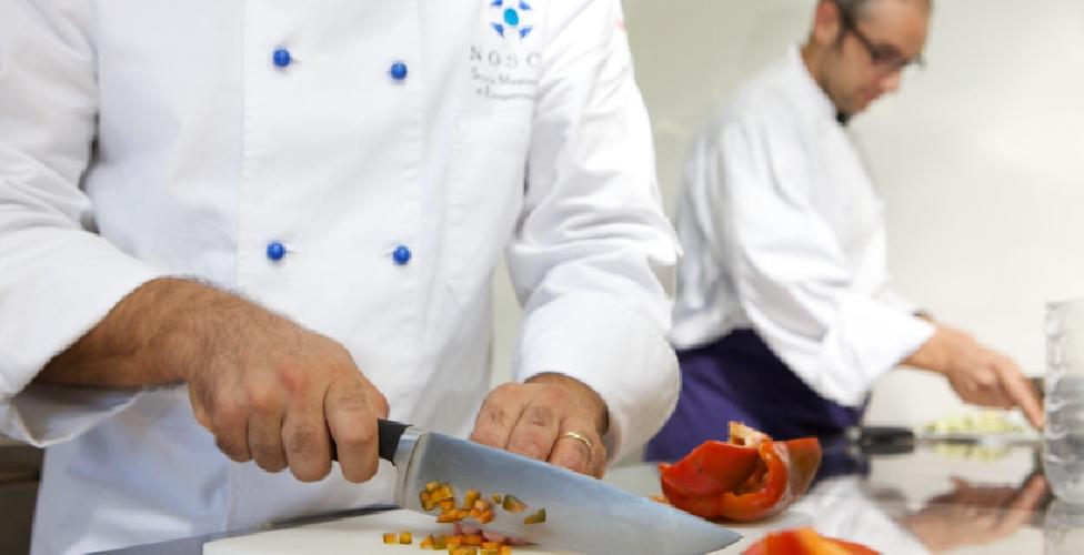 https://www.ragusanews.com//immagini_articoli/31-10-2017/laurea-gastronomia-ragusa-faccia-cogliere-impreparata-500.jpg