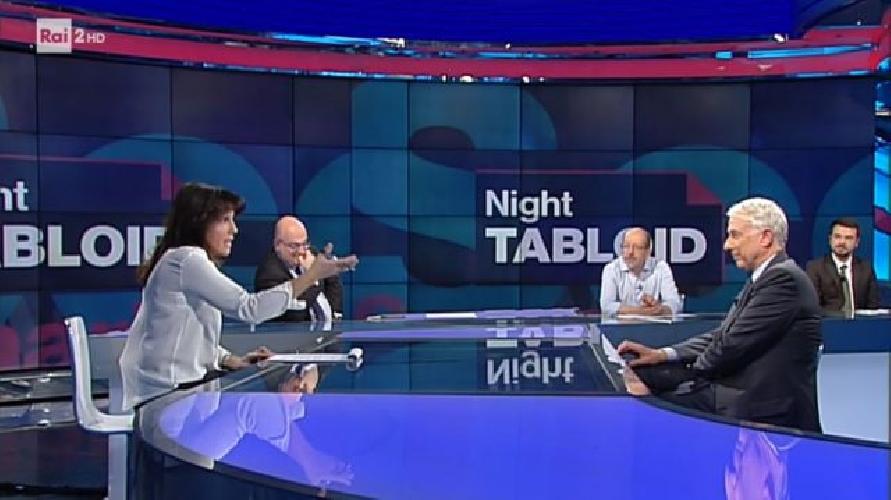 http://www.ragusanews.com//immagini_articoli/31-10-2017/night-tabloid-parla-effetto-montalbano-video-500.jpg