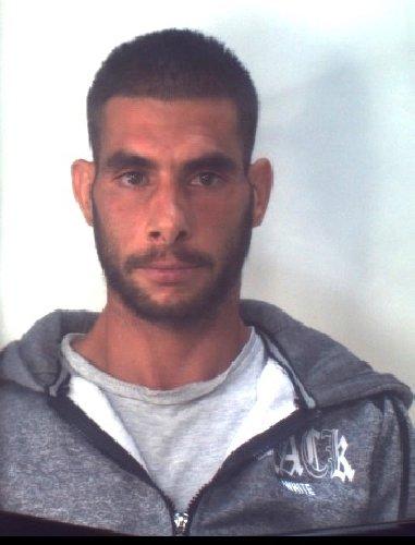 https://www.ragusanews.com//immagini_articoli/31-10-2019/1572523487-droga-10-arresti-ragusano-foto-e-nomi-1-500.jpg