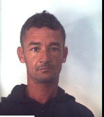 https://www.ragusanews.com//immagini_articoli/31-10-2019/1572523645-droga-10-arresti-ragusano-foto-e-nomi-1-240.jpg