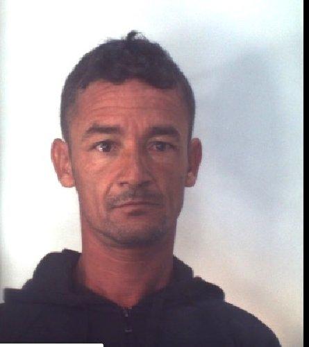 https://www.ragusanews.com//immagini_articoli/31-10-2019/1572523645-droga-10-arresti-ragusano-foto-e-nomi-1-500.jpg