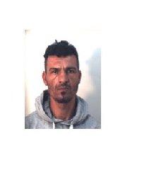 https://www.ragusanews.com//immagini_articoli/31-10-2019/1572523776-droga-10-arresti-ragusano-foto-e-nomi-1-240.jpg