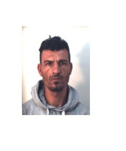 https://www.ragusanews.com//immagini_articoli/31-10-2019/1572523776-droga-10-arresti-ragusano-foto-e-nomi-1-500.jpg