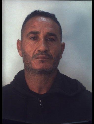 https://www.ragusanews.com//immagini_articoli/31-10-2019/1572523833-droga-10-arresti-ragusano-foto-e-nomi-1-500.jpg