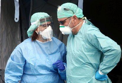 https://www.ragusanews.com//immagini_articoli/31-10-2020/covid-952-contagi-in-sicilia-18-morti-280.jpg