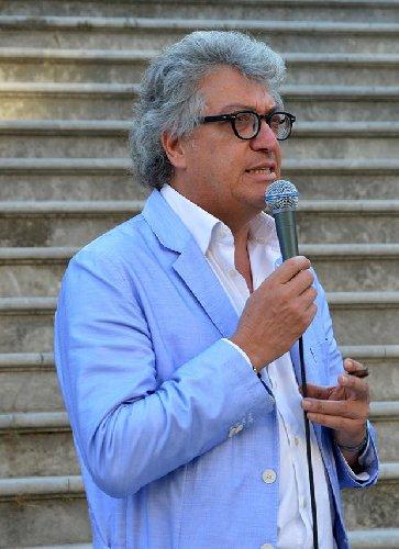 https://www.ragusanews.com//immagini_articoli/31-10-2020/gianni-mole-ci-ha-insegnato-cosa-e-giornalismo-500.jpg
