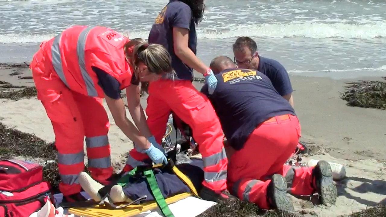 Bagnante muore in mare, il corpo trascinato dalla corrente