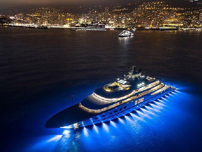 Yacht Con Elicottero Sardegna 2018 : Yacht metri di lusso con teatro ed elicottero video