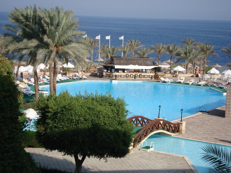 Linea piscine trend una piscina al costo di un 39 utilitaria cultura ragusa - Costo di una piscina interrata ...