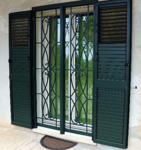 Una porta finestra antifurto by raialfs pubblicit scicli - Dividere una porta finestra ...