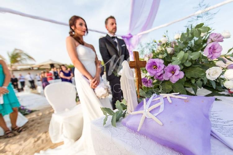 Matrimonio Spiaggia Immagini : Matrimonio in spiaggia a sampieri il video attualità scicli
