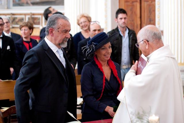 Matrimonio In Comune : A anni dal matrimonio in comune si risposano chiesa