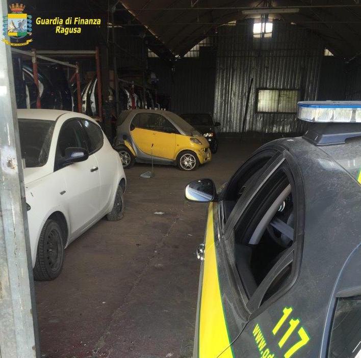 La Guardia di Finanza ritrova 5 auto rubate a Vittoria